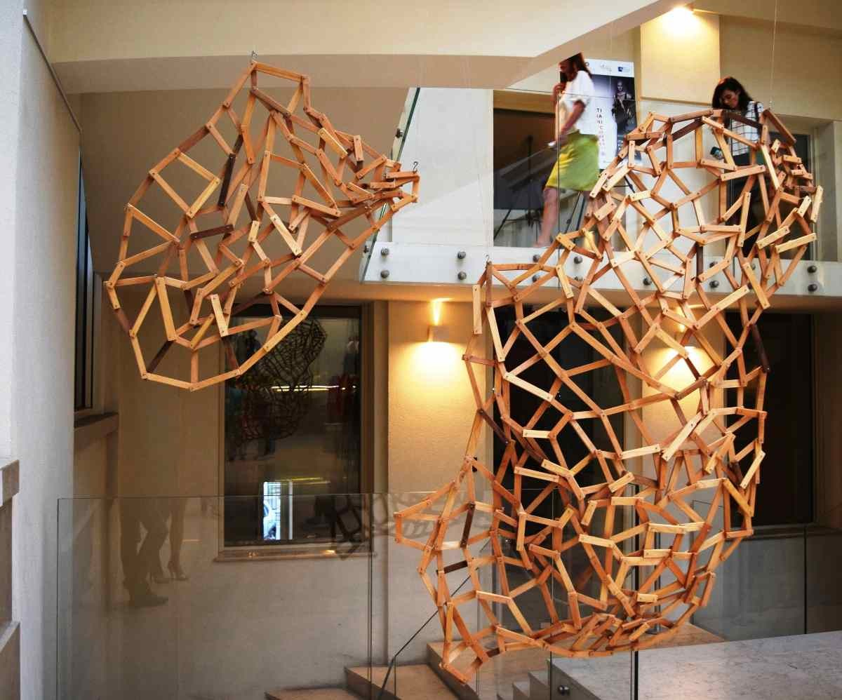 Drhtaj, modular sculpture, artist Ivana Milev