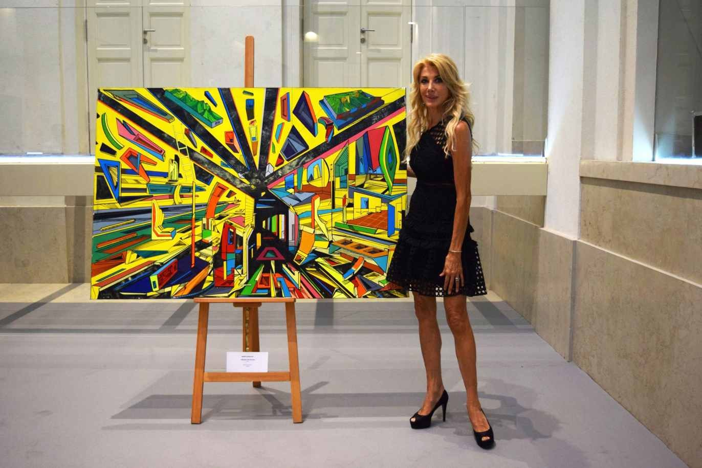 Gabriella Carlucci organizer i director of the Festival, artwork Marko Gavrilovic, Through the passage, acrylic on canvas